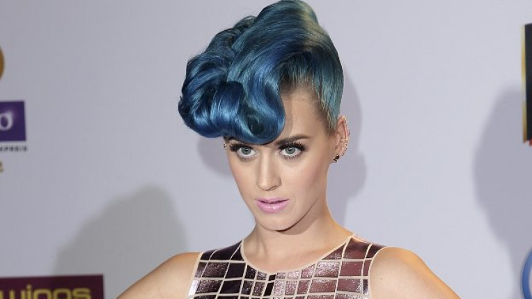 Кати Пери коса синьо