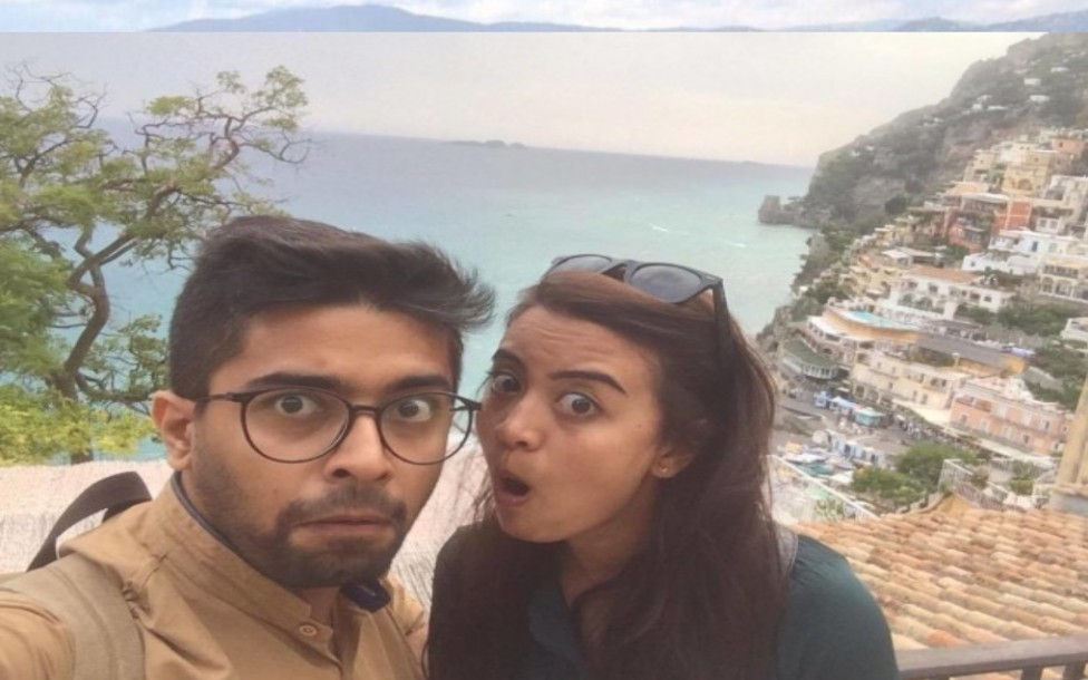 """- Помните ли онази страхотна двойка, която покори социалните мрежи с проекта си """"Последвай ме до..."""" (Follow Me To)? Сега обаче двойка от Индия, която..."""