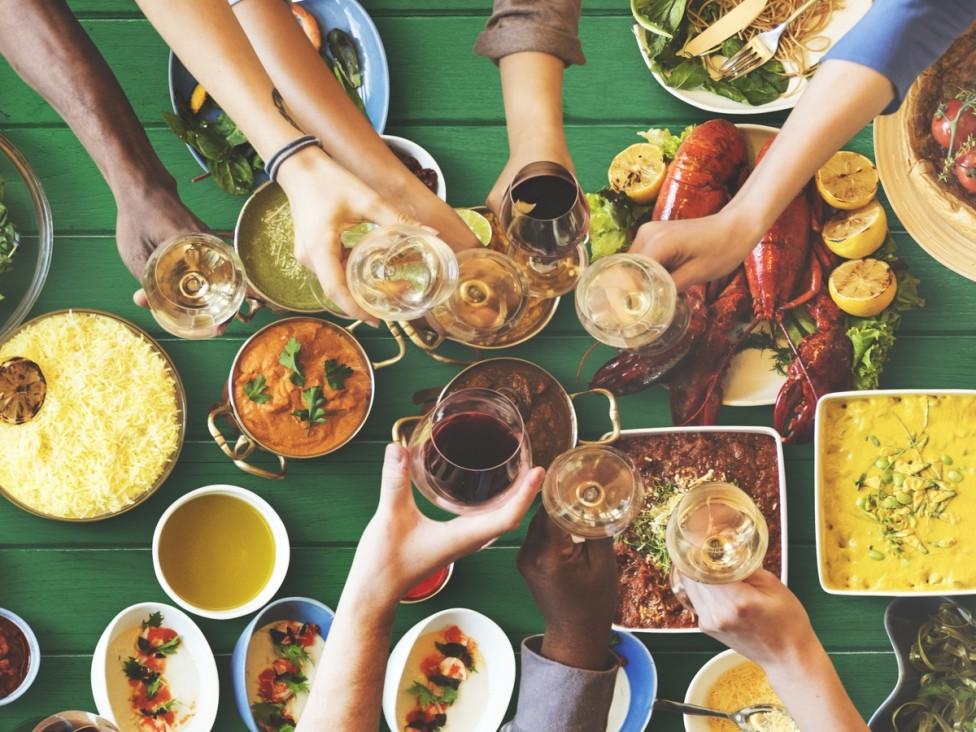 - Човек може да знае какви са полезните съставки на храните, но в повечето случаи няма представа как те се усвояват от организма. Съчетаването на някои...