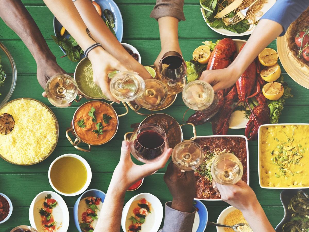 Човек може да знае какви са полезните съставки на храните, но в повечето случаи няма представа как те се усвояват от организма. Съчетаването на някои продукти допринася да бъде извлечена най-голяма полза от тях и така да бъдат избeгнати редица болести