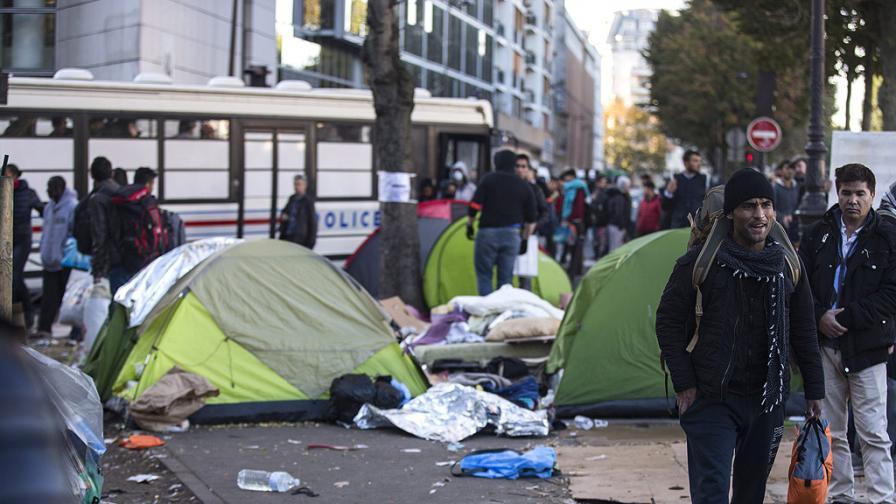 Вишеградската група: Да връщаме, а не разселваме мигрантите