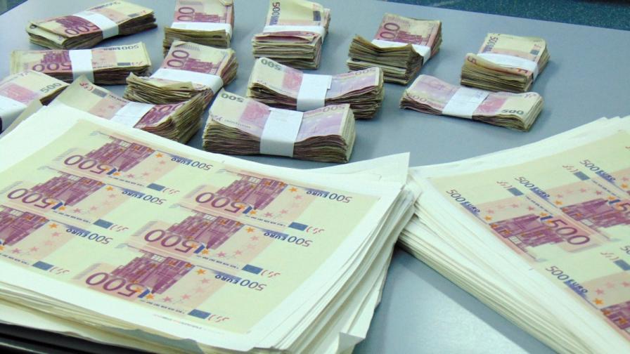 ЕЦБ: При еврото няма голям риск от заразяване с коронавирус