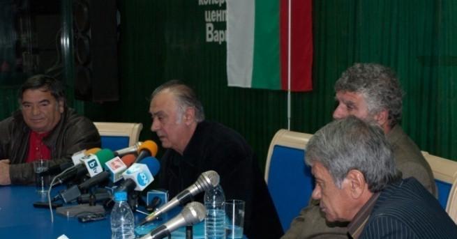 Снимка: 8 години по-късно: Българските моряци, обвинени в контрабанда в Гърция