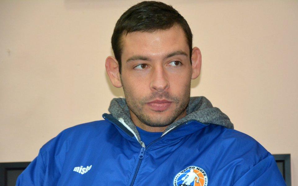Сашо Янев: Ще бием Академик