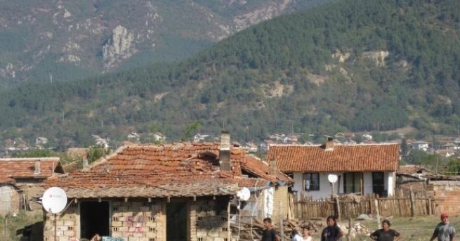 """97 незаконни постройки в ромския квартал """"Лозенец"""" в Стара Загора"""