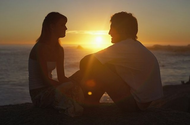 Резултат с изображение за двама влюбени