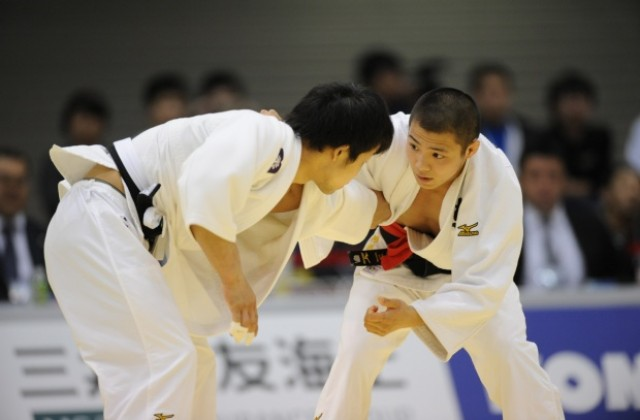 3 май: Провежда се първото световно първенство по джудо ...