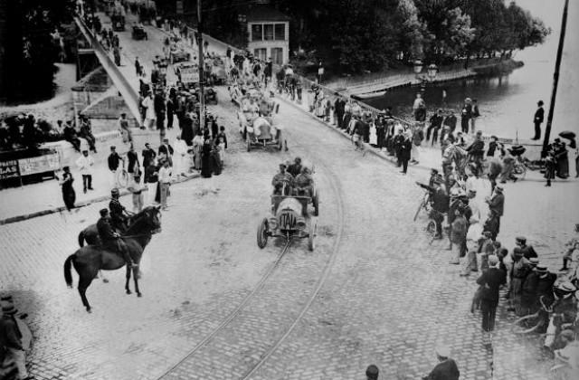 13 юни: Провежда се първото автомобилно рали във Франция ...