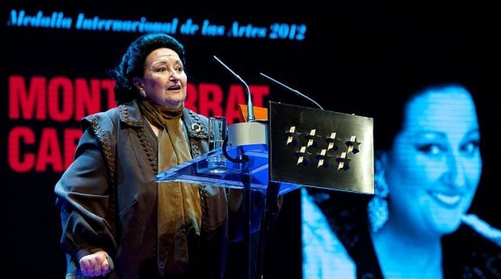 Певицата Монсерат Кабайе е приета в болница