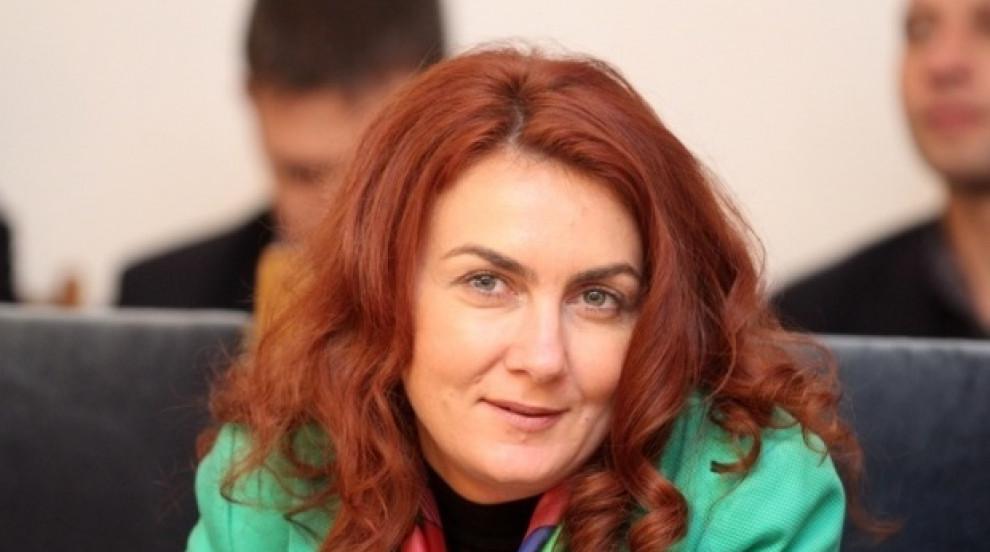 Деница Николова: Няма да има места без...