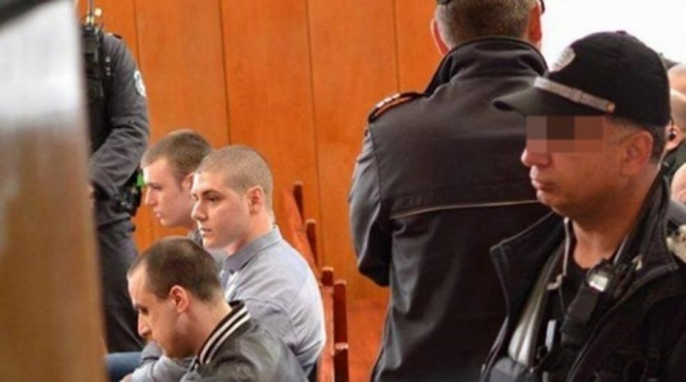 Общо 49 години затвор за убийците на Нягол в мола