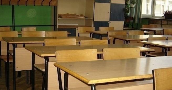 Некачествен ремонт бави учебната година в Ммузикалното училище в София
