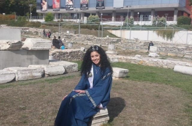 Царица Августиада мечтае да учи журналистика