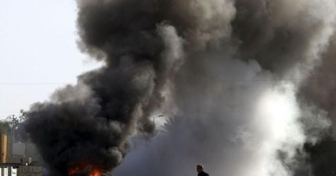 Четири ракети поразиха днес военна база непосредствено до летището в