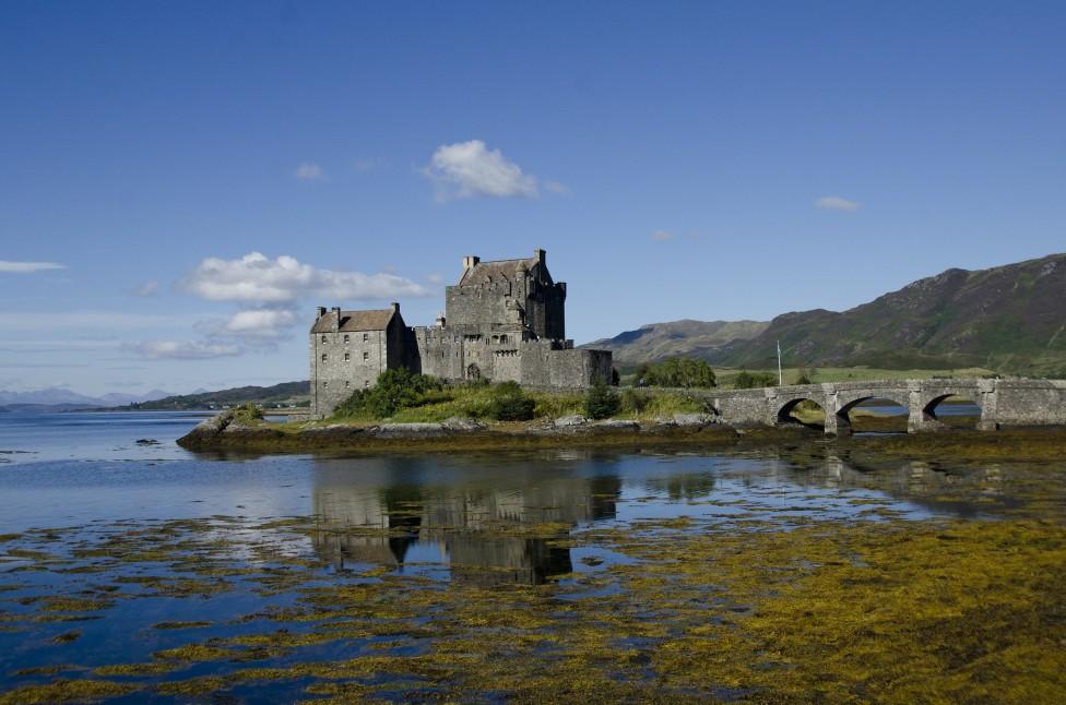 - Замъкът Елън Донан често се нарича най-живописният, най-красивият и най-посещаваният в Шотландия. Историите зад разрушения вековен замък, издигнат от...