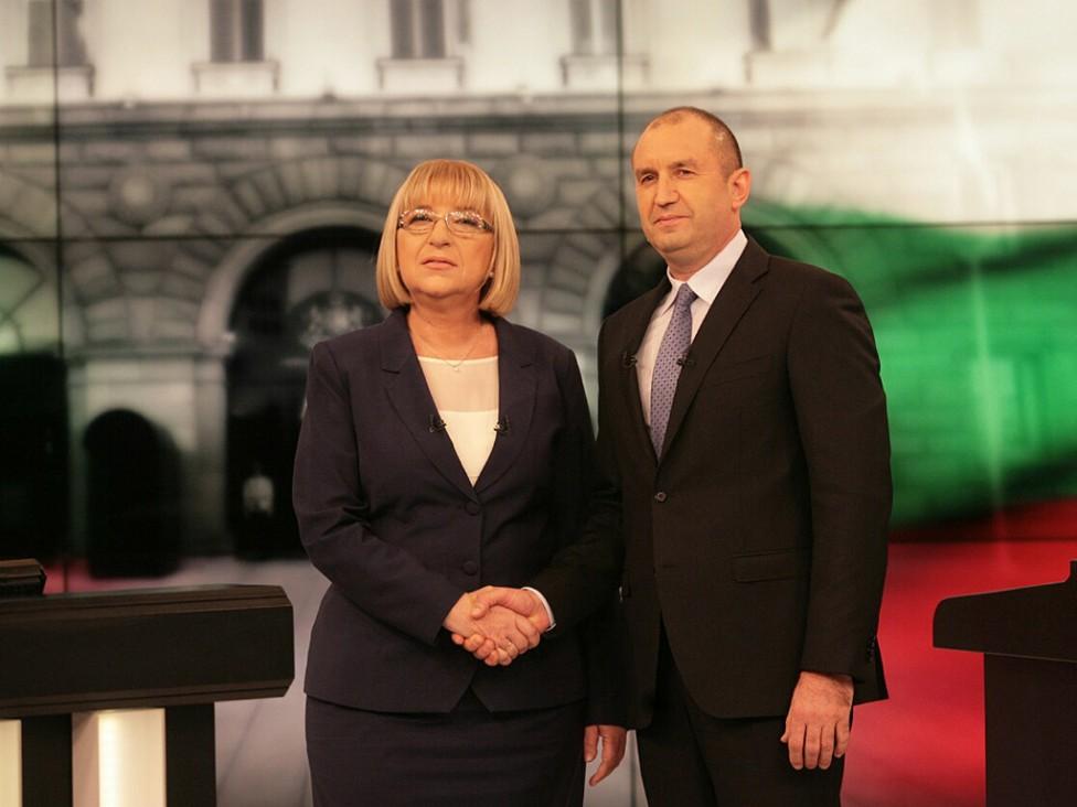 - Цецка Цачева и генерал Румен Радев в решаващ дебат преди балотажа