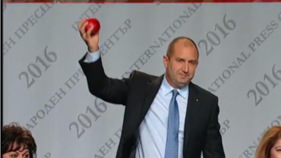 Как реагира НСО на Беновска и ябълката й по Радев