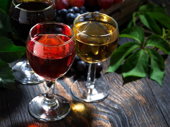 <br /> Направете 15-секундна пауза след първата глътка, за да си изградите цялостна представа за виното<br />