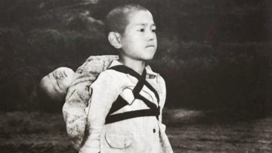 """Една трогателна снимка от Нагасаки-""""Любовта на брата"""""""