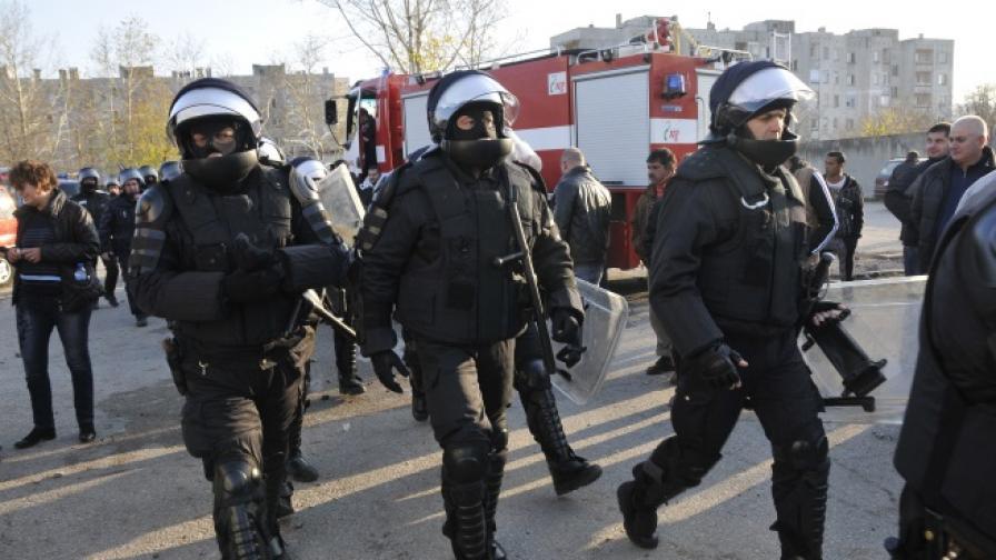Обвинения срещу 18 души за бунта в Харманли