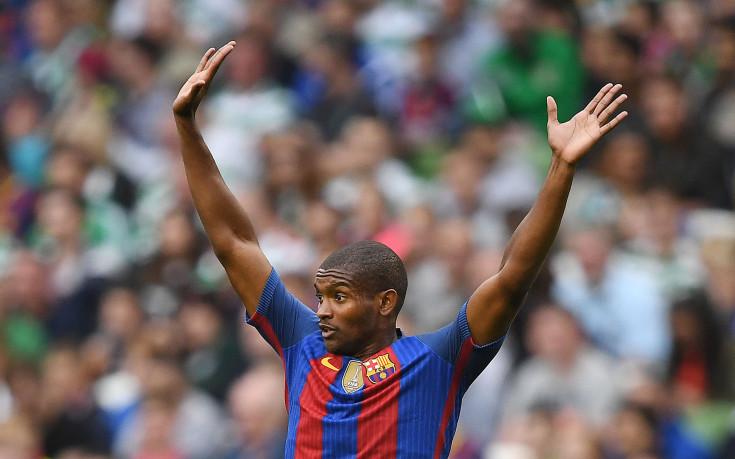 Уест Хем и Барселона спазариха защитник