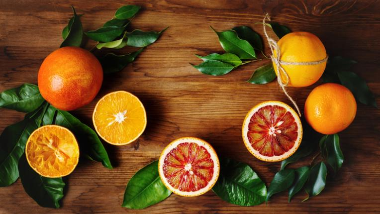 5 храни и напитки против косопад и чупливи нокти