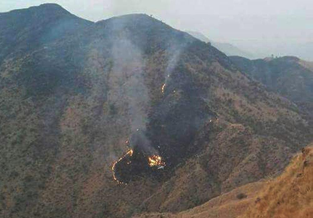 Пакистански самолет с 47 души на борда се е разбил. Той е пътувал по дестинацията Читрал – Исламабад. Полет PK661 на Пакистанските международни авиолинии е паднал в Северозападната погранична провинция край град Хавелиан.