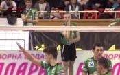 Волейболният Левски спря шампиона в залата му с драма