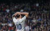 Спортен гигант води Хамес в Юнайтед