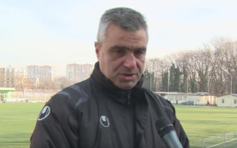 Нов треньорски екип застана начело на аматьорския Ком Берковица. Антон