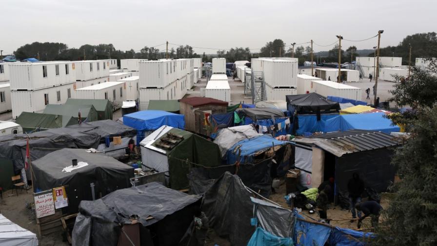 """Лагерът """"Джунглата"""" край Кале преди да бъде разрушен"""