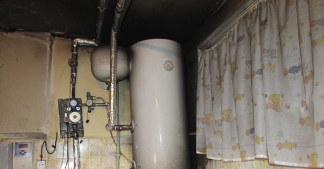 Снимка: Двама мъже загинаха от късо съединение в жилище в Добрич