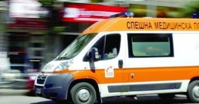 В тежко състояние са трима работници, пострадали при трудов инцидент
