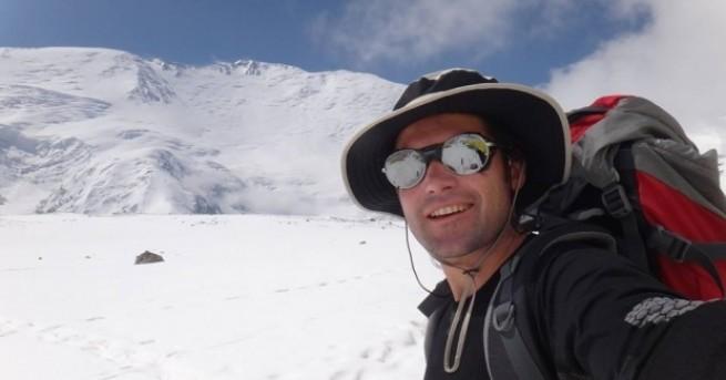 Алпинистът веган Атанас Скатов стана първият българин изкачил най-високите върхове