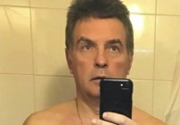 Родители защитиха директора с голите снимки: Достоен е!
