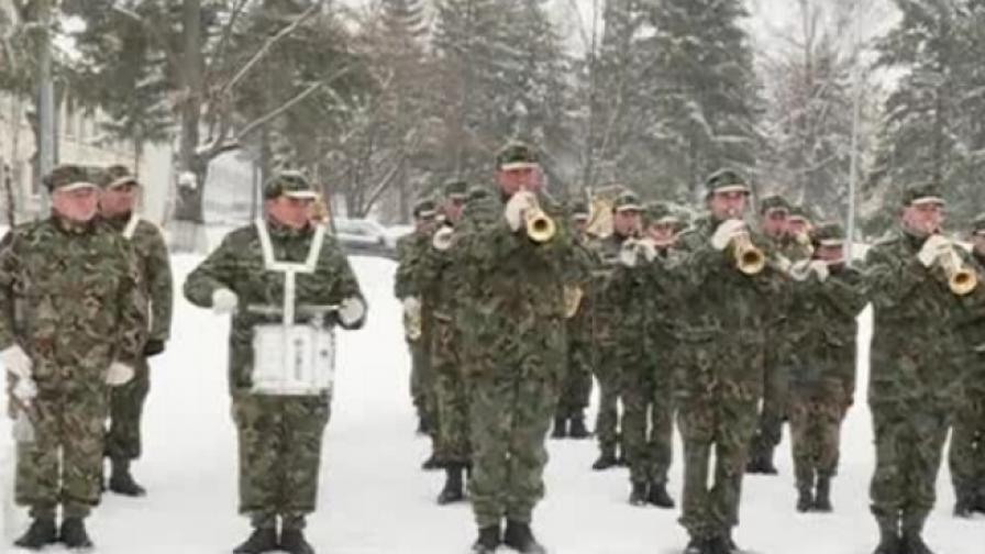 Гвардейците готови за церемонията в неделя