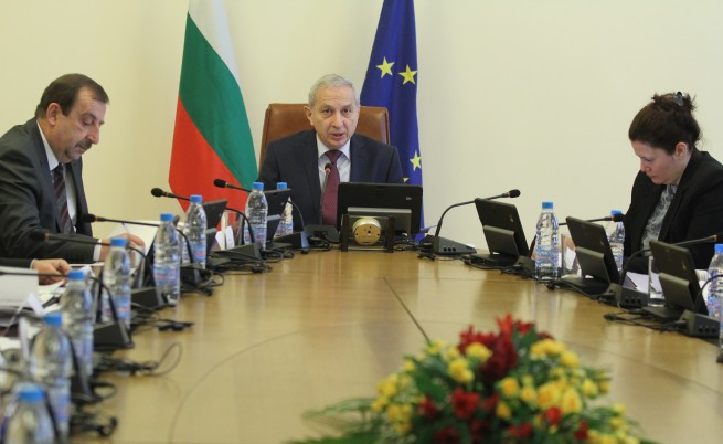 Огнян Герджиков назначи още четирима зам.-министри