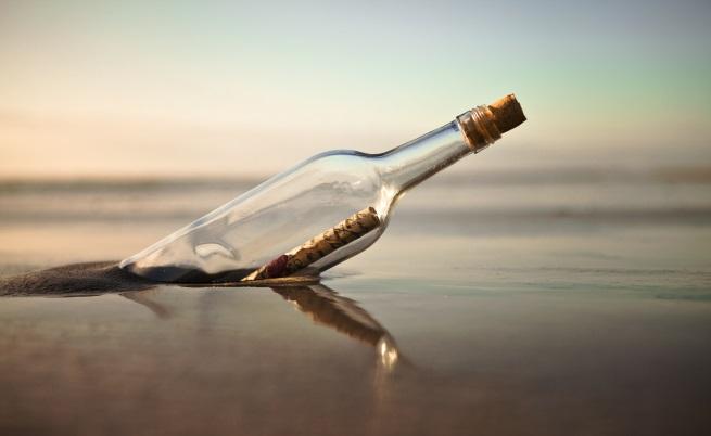 Мъж откри писмо в бутилка на плаж в САЩ, дошло от Англия