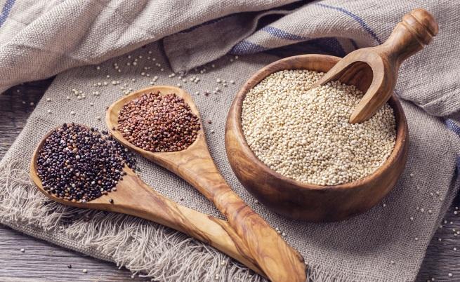 <p><strong>На 20 години: Бавни въглехидрати</strong></p>  <p>Според изследователи сложните, наричани още бавни, въглехидрати като сладки картофи, киноа, кафяв ориз са чудесни за устойчива енергия, особено през двадесетте, когато сте супер активни.</p>