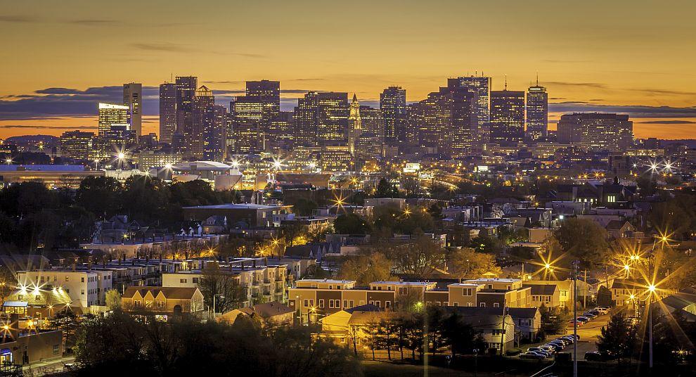 Американският град Бостън заема втора позиция в класацията, тъй като 70 процента от жителите му загърбват брака. Освен това местните жители са дружелюбни и общителни и винаги са склонни към любовни авантюри.