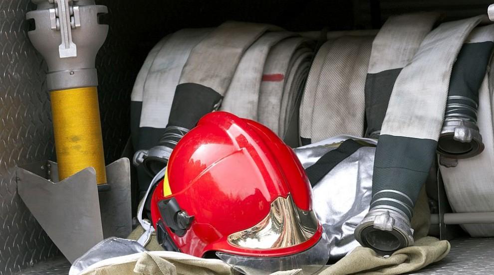 Трагедия в Средец: Баща изгоря с двете си деца при пожар