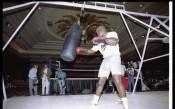 Една легендарна боксова нощ с немислим край