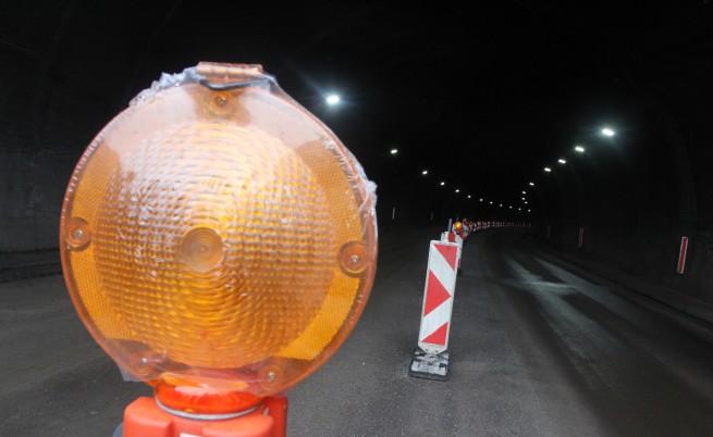 """Падна светофар в тунел """"Правешки ханове"""""""