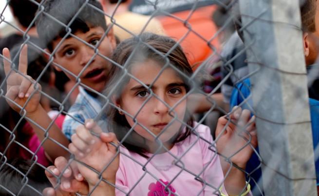 Сирийски бежанци продават дъщерите си в Турция