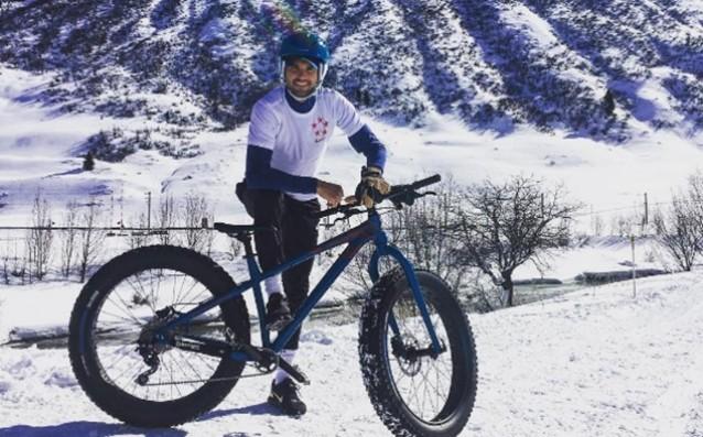Григор Димитров подкара колело на сняг