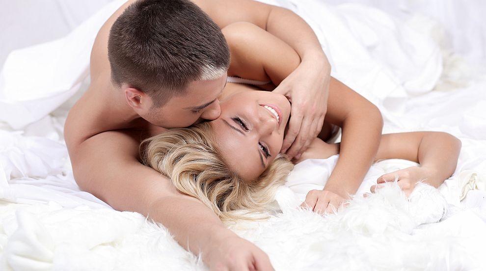 Разкриха как сексът и прегръдките вредят на съня