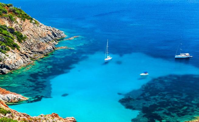 Забравеният италиански остров за оргии (снимки)