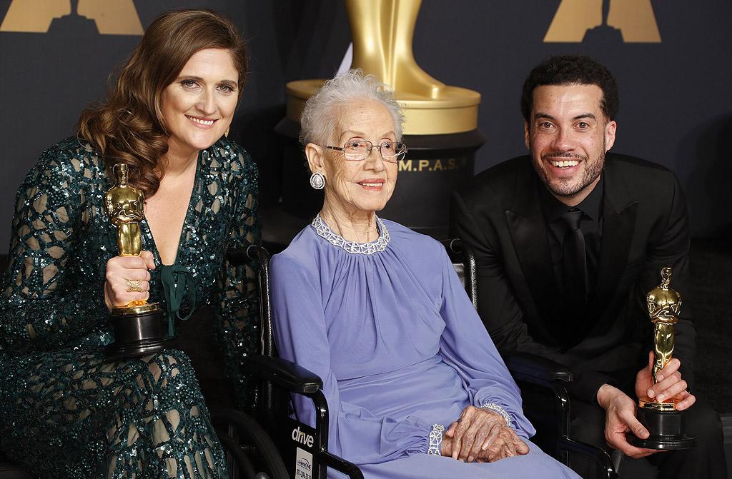 """Езра Еделман и Катрин Джонсън за най-добър документален филм """"О Джей: Произведено в Америка"""". С времетраене от 7 часа и 47 минути лентата е най-дългият номиниран филм в историята на наградите """"Оскар"""""""