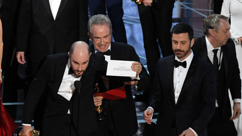 И Оскари 2017 отиват при... Огромен гаф беляза обявяването на най-добрия филм