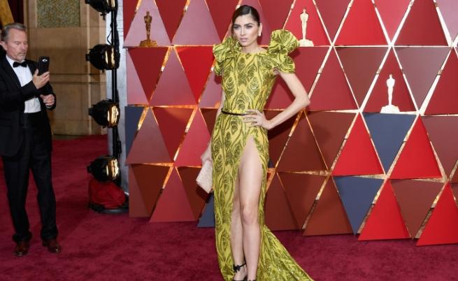 """Заради избора си на рокля, актрисата Бланка Бланко попадна в класациите на чуждестранни медии за най-неудобните моменти на """"Оскар""""-ите. Вижте още снимки на актрисата в галерията ни"""